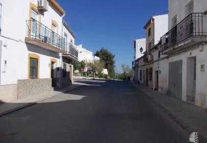 Casa en calle Prado, cerca de Avenida Joaquín Padilla