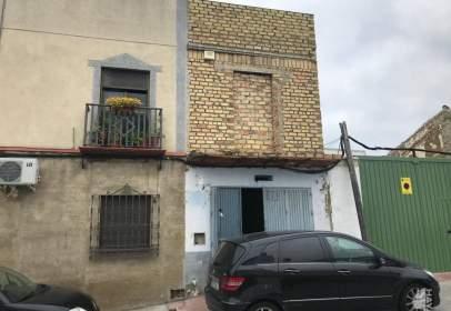 Casa adosada en calle de la Paz, nº 24