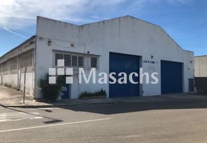 Nau industrial a Mas D'en Serra-Els Cards