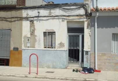 Casa adossada a Avinguda de Valencia