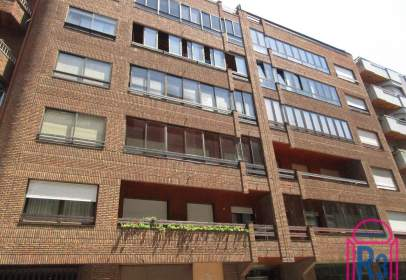 Apartment in calle Rodriguez del Valle, nº 14