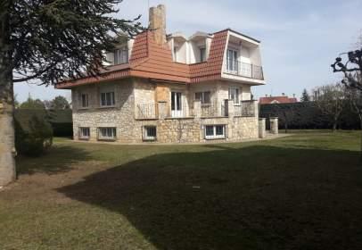 Casa en calle Castrillo del Val