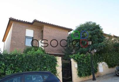Terraced house in Cabanillas del Campo