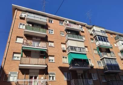 Flat in calle del Río Nervión, nº 47