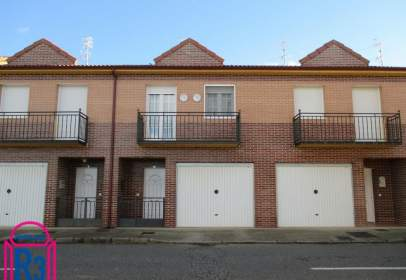 Terraced house in Palanquinos