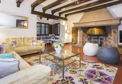 Casa rústica en Castellví de Rosanes