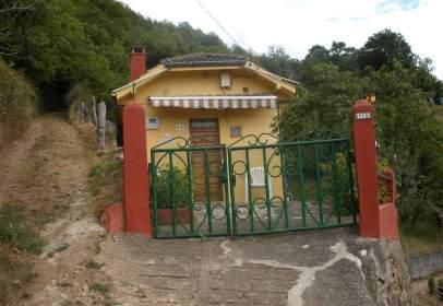 Casa en calle Villar de Ujo, nº 15
