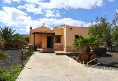 Casa unifamiliar en Caldereta (La Oliva)