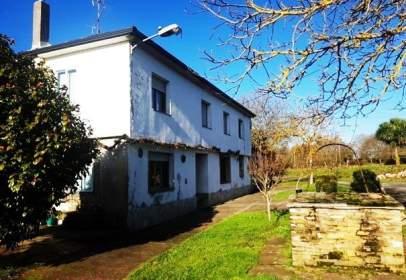 Casa en calle Modia