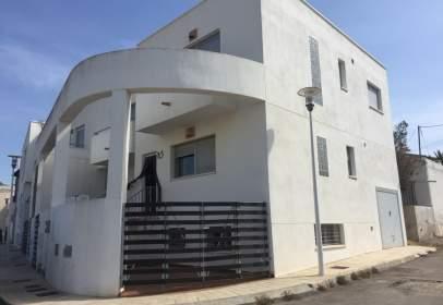 Terraced house in calle Estepa, nº 8