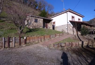Casa en calle La Juncar, nº 1