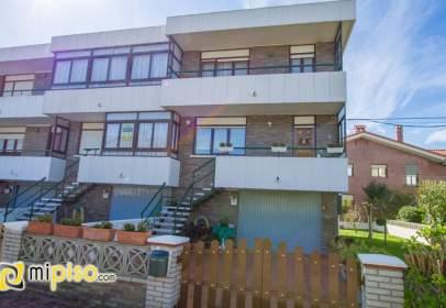 Casa adosada en Santoña