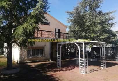 Chalet in Valdelosa