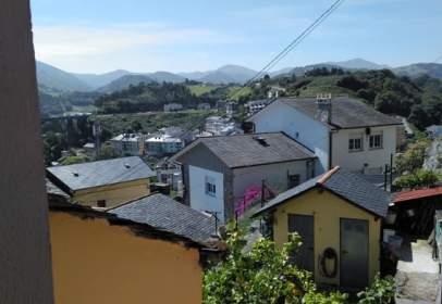 Casa en calle de la Peña, cerca de Travesía Peña