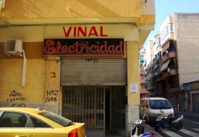 Almacén en calle de Pascual de la Mata, nº 25