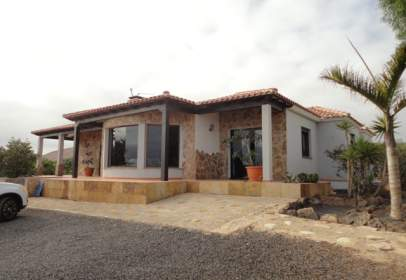 Chalet en Villaverde (La Oliva)
