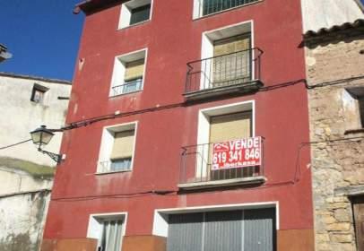 Terraced house in Avenida Estada, nº 02