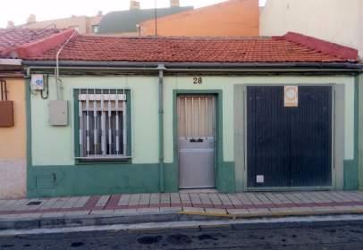 Casa adosada en Barrio Belén