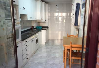 Flat in calle Río Sella, 2
