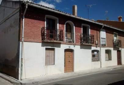 Casa adossada a calle General Amor, nº 7