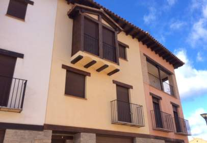 Flat in calle Fuente del Hortalán