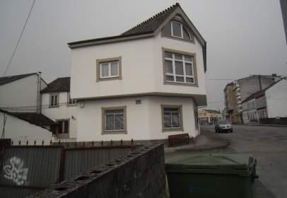 Casa aparellada a calle José Pardo y Pardo
