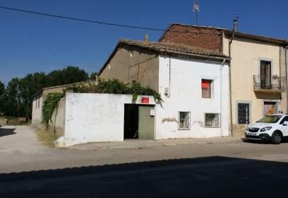 Casa adosada en calle del Río, nº 66