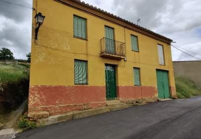 Rustic house in calle Corrales, nº 5