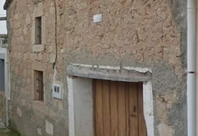 Building in calle Parra, nº S/N