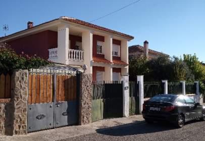 Single-family house in calle Lvéniz, nº 11