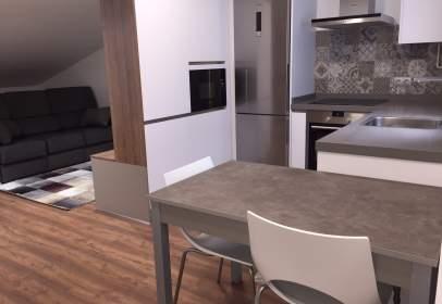 Apartamento en calle de la Vila de Sarria, nº 2