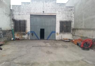 Nave industrial en Avenida de Fabero, nº 43