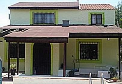 Alquiler de casas y chalets en carmona sevilla for Alquiler de casas en brenes sevilla