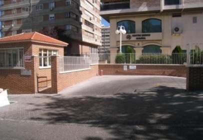Garaje en calle de Santiago Rusiñol, nº 4