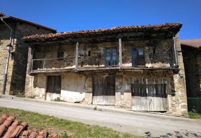 Casa rústica en calle Bernales, nº 5