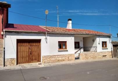 Single-family house in calle de Ricardo Díez, nº 14