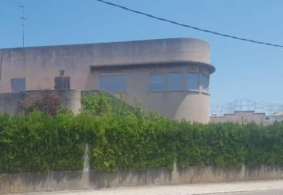 Nau industrial a Avinguda de Raiguer, nº 74