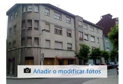 Flat in calle Isabel La Católica, nº 6