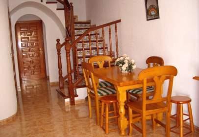 Terraced house in Avenida de Valencia, nº 131