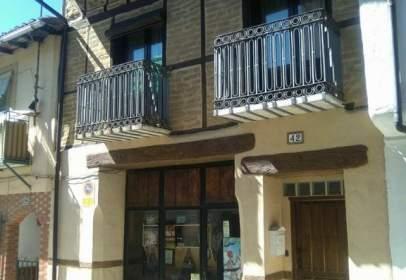 Casa adosada en Avenida calle Coronel Golfin, nº 42