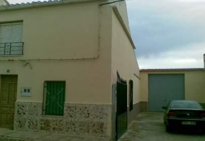 Casa unifamiliar en calle Santa Lucia, nº 12