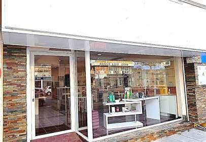 Local comercial en Avenida Carlota Alessandri, nº 19