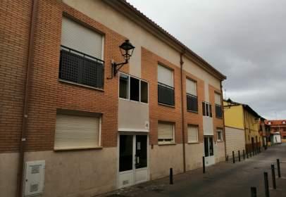 Dúplex a calle C/Almendro 12B , nº 12B