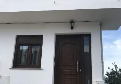 Casa adosada en calle de Freixedo, nº 48