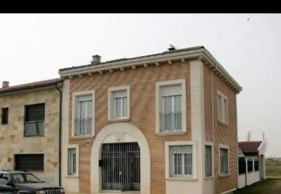 Casa adossada a calle Avda del Portazgo, nº Sn