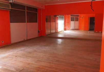 Local comercial en Salvador Espriu