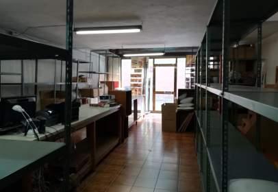 Magatzem a Valldaura