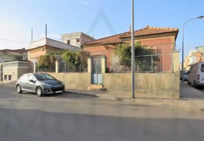 Chalet unifamiliar en calle Santa Eulalia, 18