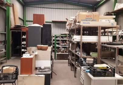Nau industrial a El Llano