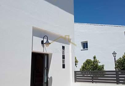 Casa adosada en calle Triana